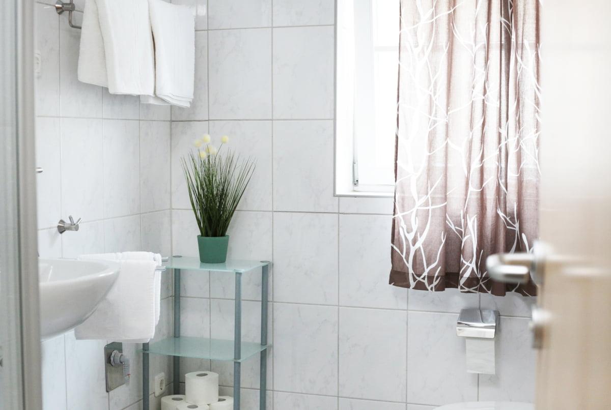 Fewo Sauber Badezimmer